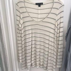 Basic white and grey light sweater